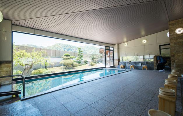 Grand bain pour homme (Hakubai no Yu)