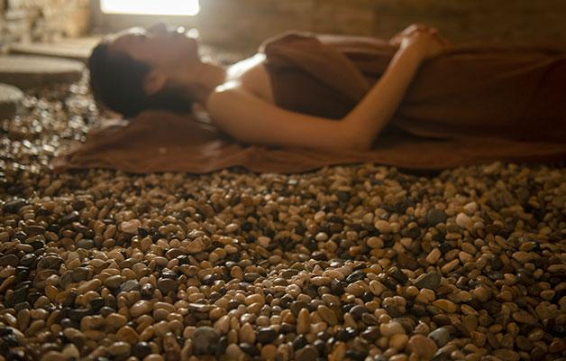 湯郷温泉旅館 季譜の里 13種の天然鉱石を使用し放熱線と蒸気の効果で温める
